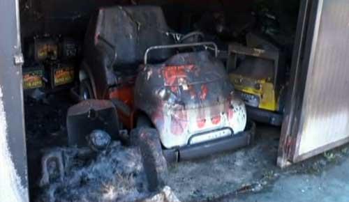 Risultati immagini per incendio parco giochi parco catanzaro